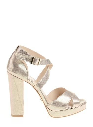 Divarese Kalın Yüksek Topuklu Ayakkabı Altın